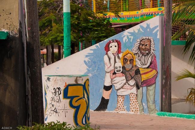 Hòn đảo nhiều màu sắc với những bức bích họa ấn tượng-5
