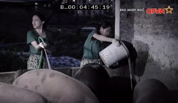 Chết cười khi xem Hương Giang Idol dọn chuồng lợn trong quân ngũ-1