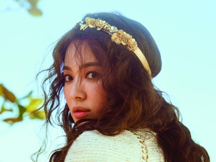Khách mời sẽ bị chiếu laze nhắc nhở nếu dùng điện thoại chụp ảnh trong đám cưới Song Hye Kyo