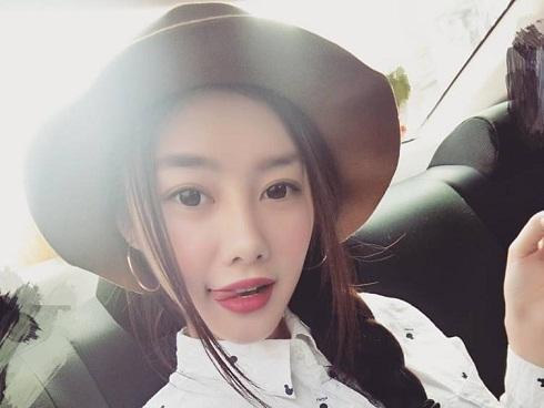 Tin sao Việt 21/10: Không cần ăn ngon mặc diện, Linh Chi triết lý về giàu có thực sự