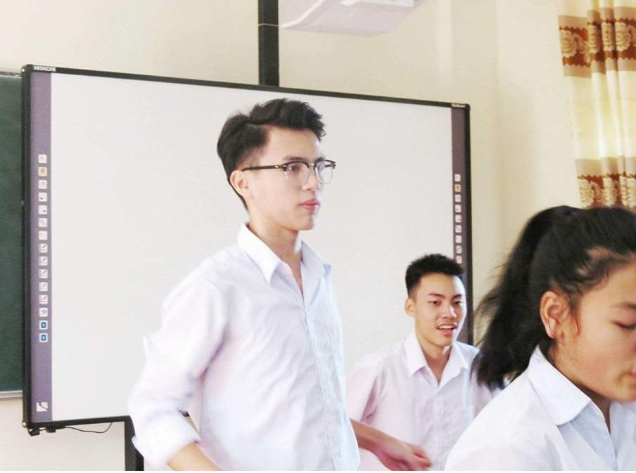 Vườn sao băng đời thực: Nữ sinh Lào Cai lọt thỏm giữa 4 chàng bạn thân đẹp trai, học giỏi, mê bóng rổ-7