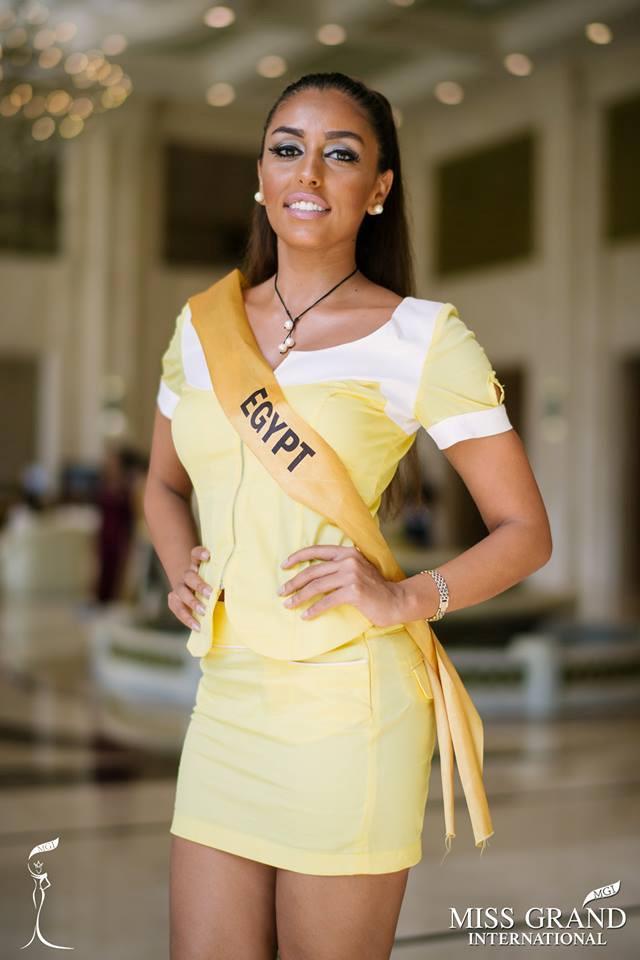 Những bộ trang phục kém xinh của dàn thí sinh tại Hoa hậu Hòa bình-6