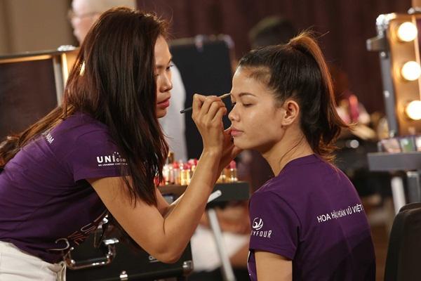 Sau 3 tập thất bại, Hoàng Thùy và Mâu Thủy có chiến thắng đầu tiên tại Hoa hậu Hoàn vũ Việt Nam-3