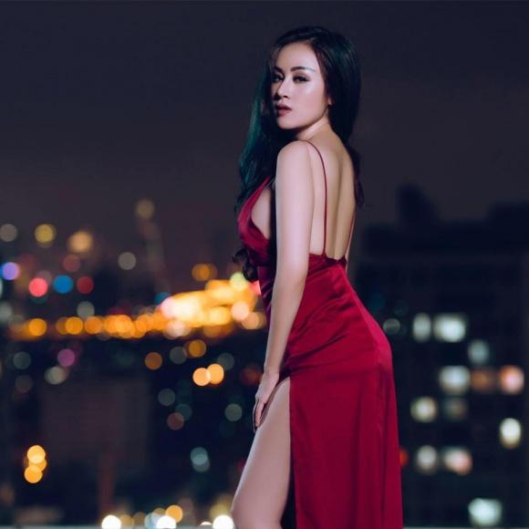 Hot girl - hot boy Việt 22/10: Hot girl Trang Cherry khoe ảnh giường chiếu-4