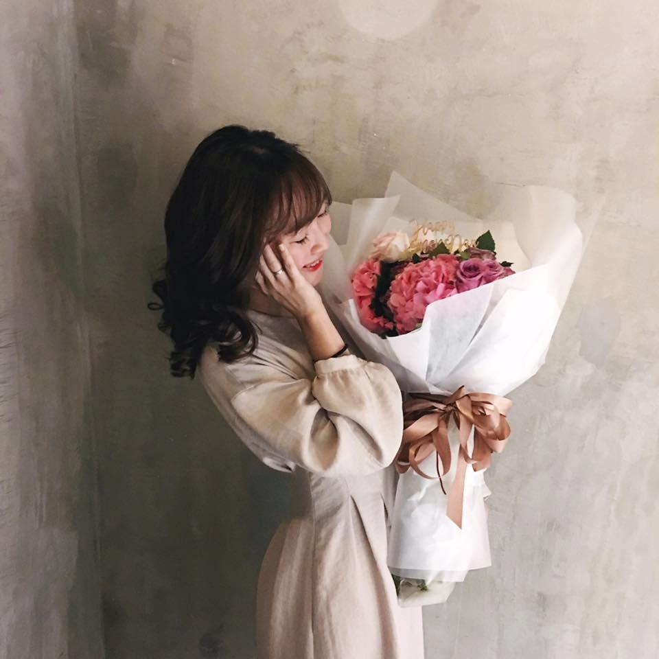 Hot girl - hot boy Việt 22/10: Hot girl Trang Cherry khoe ảnh giường chiếu-8