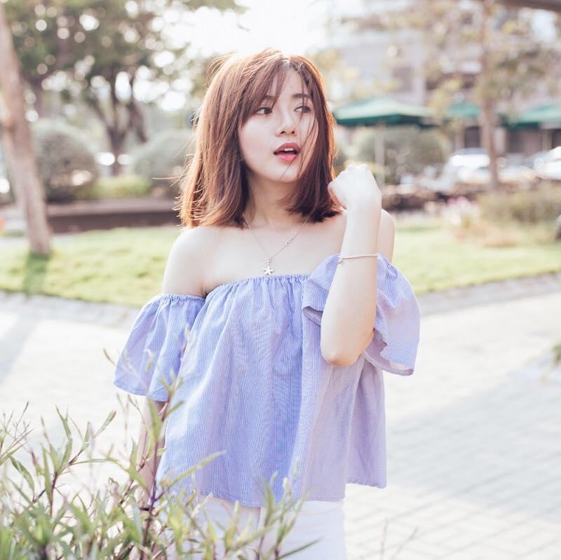 Hot girl - hot boy Việt 22/10: Hot girl Trang Cherry khoe ảnh giường chiếu-10