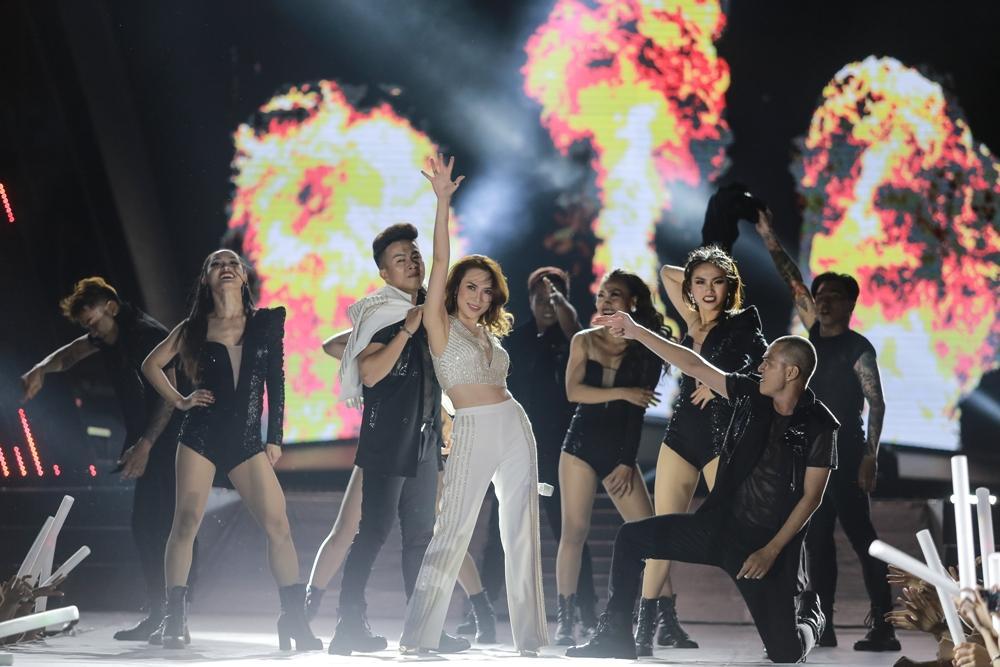 Khán giả tiếc nuối khi Mỹ Tâm không trình diễn loạt hit triệu views-8