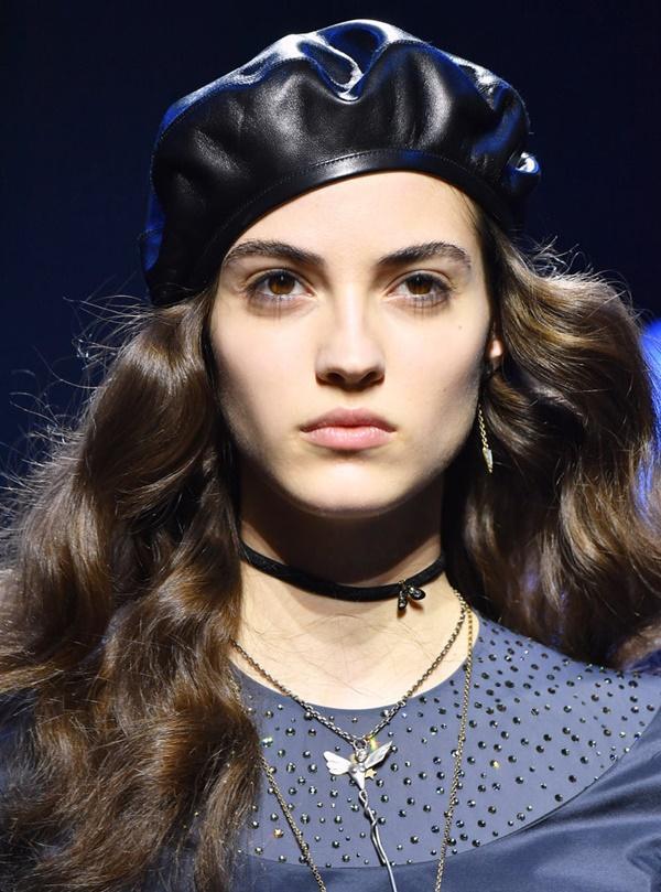 Những bí quyết diện mũ nồi đúng chuẩn thời trang-1