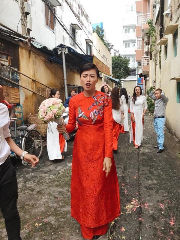 Dân mạng xôn xao trước hình ảnh Ngô Thanh Vân mặc áo dài trong lễ rước dâu-3
