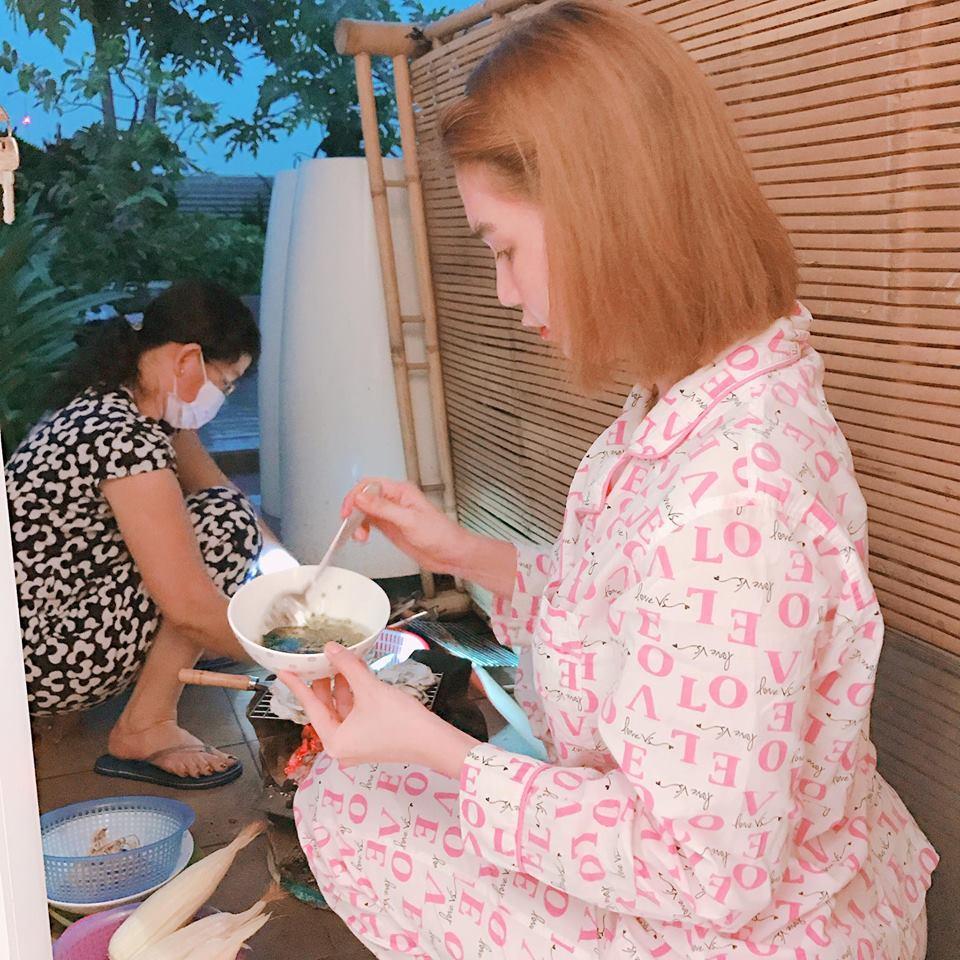 Tin sao Việt 22/10: Trời đang mưa, Ngọc Trinh bất ngờ lên sân thượng để làm điều tuyệt vời-1