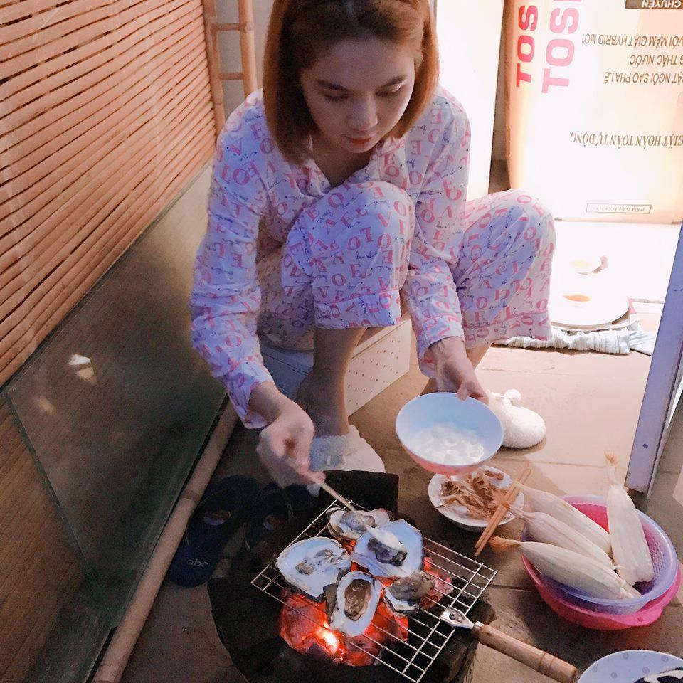 Tin sao Việt 22/10: Trời đang mưa, Ngọc Trinh bất ngờ lên sân thượng để làm điều tuyệt vời-2