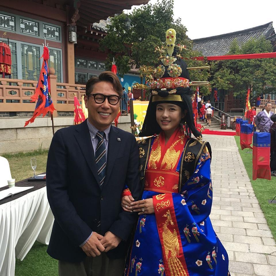 Sao Hàn 22/10: Người đẹp không tuổi Oh Ji Eun tổ chức hôn lễ theo phong cách truyền thống-1