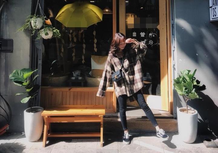 Hot girl - hot boy Việt 23/10: Thánh nữ bolero Jang Mi đốn tim fan khi vừa đàn vừa hát hit của Mỹ Tâm-7