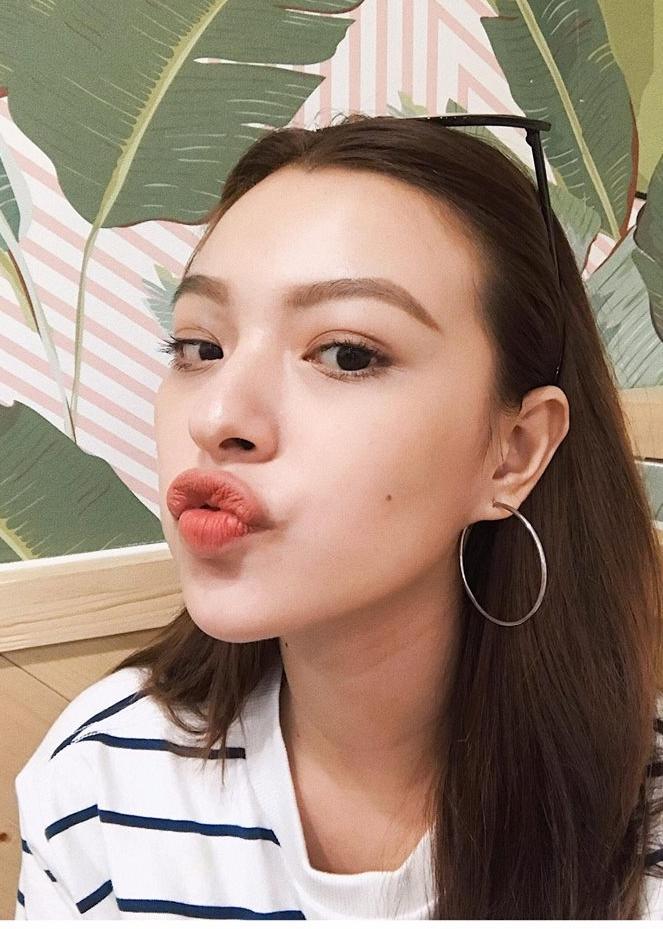 Hot girl - hot boy Việt 23/10: Thánh nữ bolero Jang Mi đốn tim fan khi vừa đàn vừa hát hit của Mỹ Tâm-8