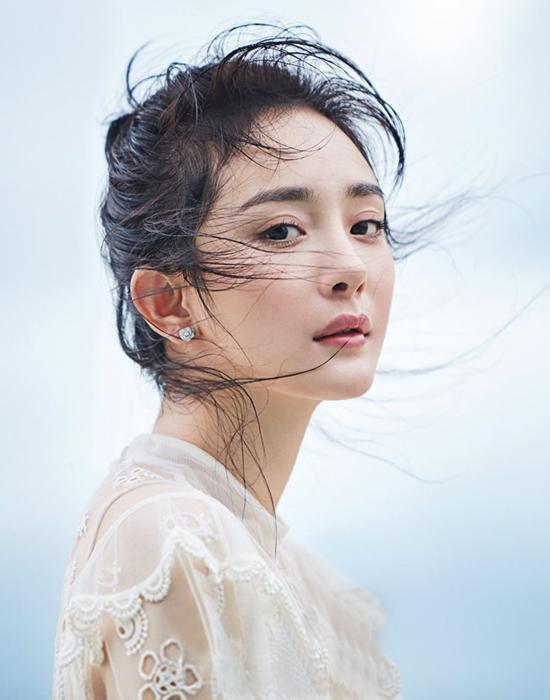Dương Mịch - Triệu Lệ Dĩnh - Cổ Lực Na Trát: Ai xứng đáng vào vai Tiểu Long Nữ?-2