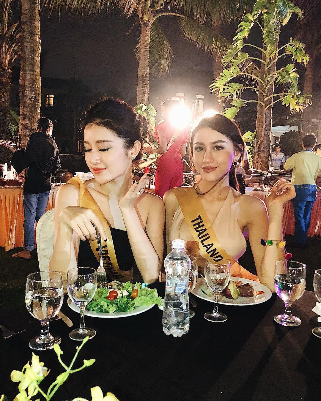 Hội chị em bạn dì của Huyền My có khả năng dắt tay nhau vào top 5 Miss Grand 2017-11