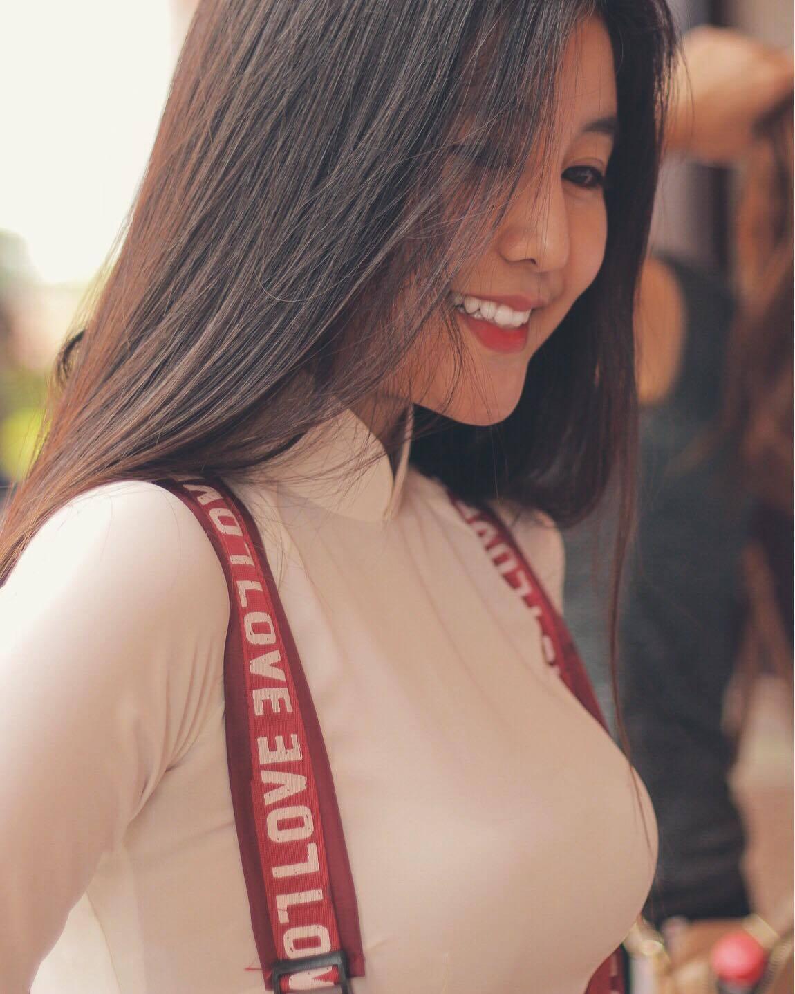 Nữ sinh 10X Sài Thành bị săm soi vì sở hữu vòng 1 đẫy đà-3