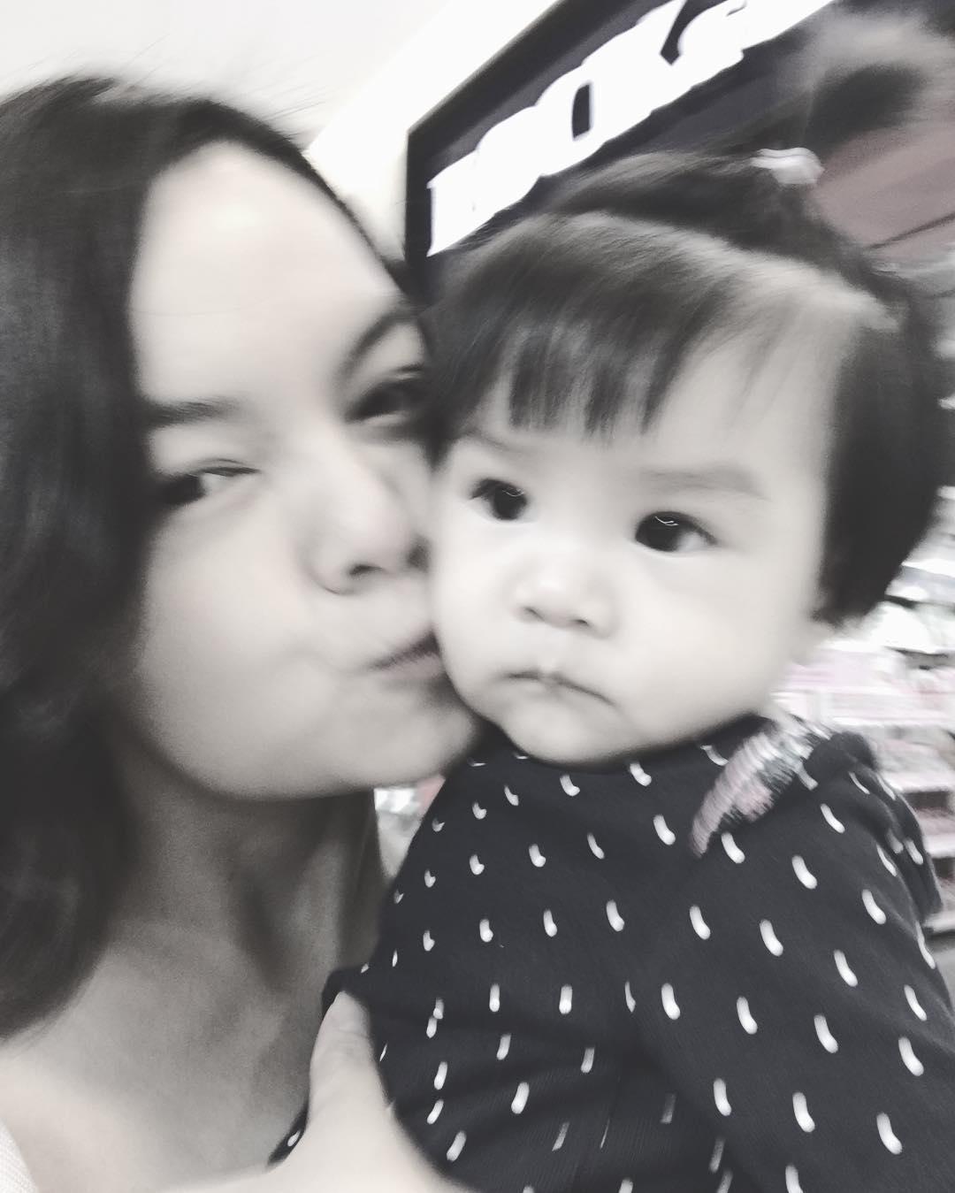 Tin sao Việt 23/10: Chết cười khi nghe Trấn Thành hướng dẫn Lê Giang đọc tiếng Anh-2