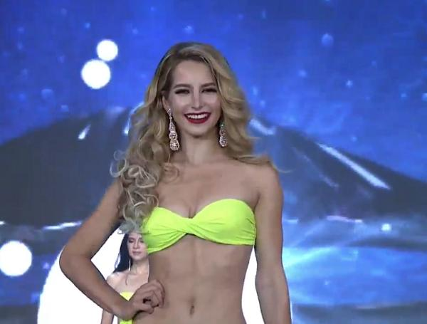 Huyền My tỏa sáng rực rỡ trong đêm bán kết Miss Grand International 2017-11