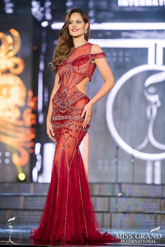 Top 10 bộ cánh dạ hội đẹp xuất sắc ở bán kết Miss Grand International 2017-1