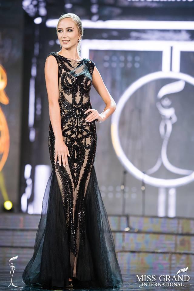 Top 10 bộ cánh dạ hội đẹp xuất sắc ở bán kết Miss Grand International 2017-5