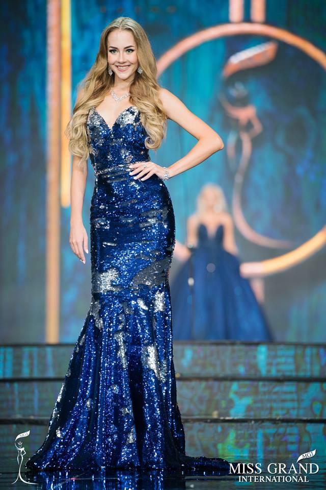 Top 10 bộ cánh dạ hội đẹp xuất sắc ở bán kết Miss Grand International 2017-9
