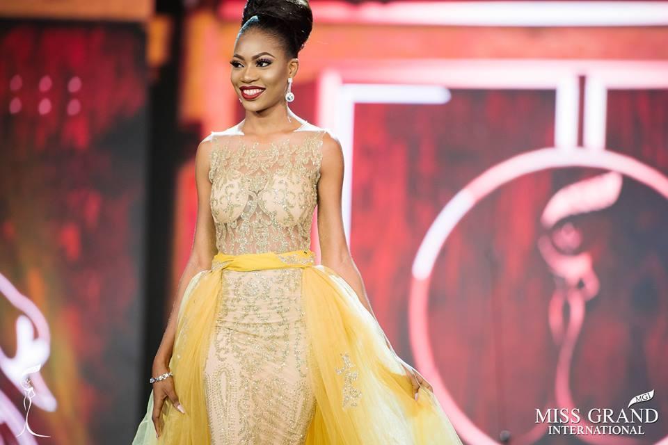 Những bộ đầm dạ hội xấu tệ tại bán kết Miss Grand International 2017-9