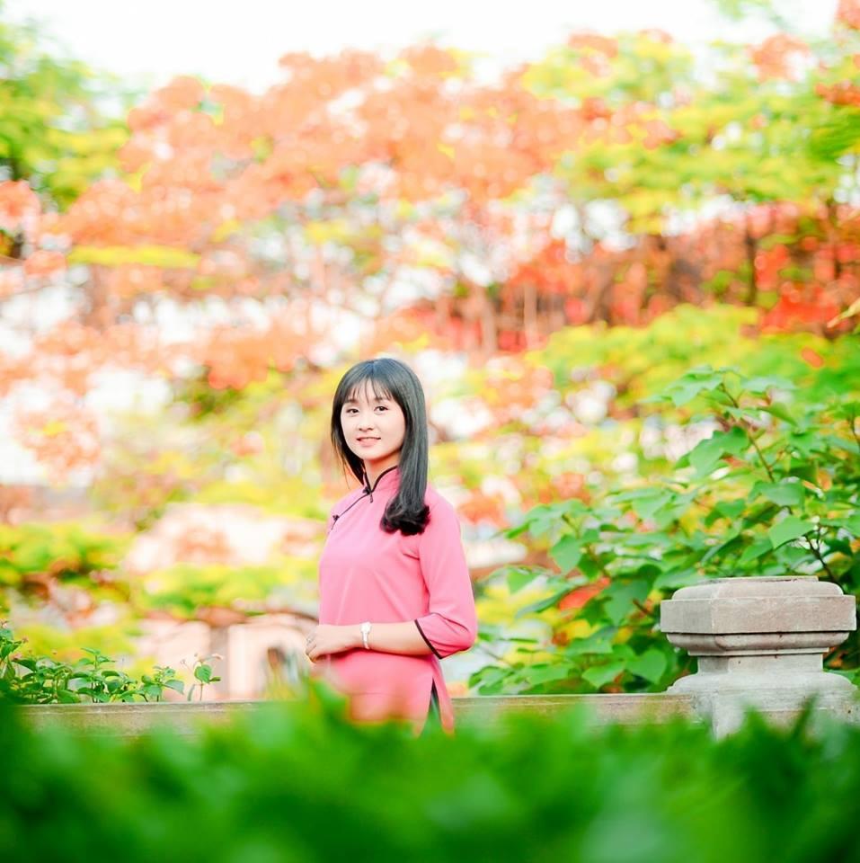 Cô gái xinh đẹp náo loạn Facebook vì hát quan họ ngọt ngào-5