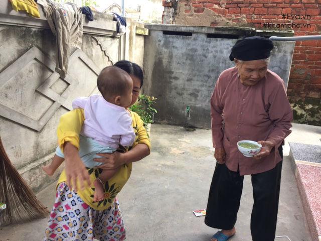Trở lại ngôi nhà dột nát của người mẹ ngây ngô bị xâm hại dẫn đến sinh con-9