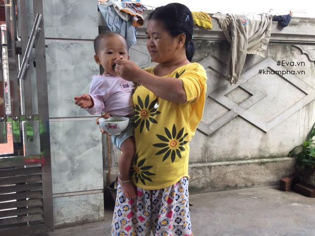 Trở lại ngôi nhà dột nát của người mẹ ngây ngô bị xâm hại dẫn đến sinh con-1