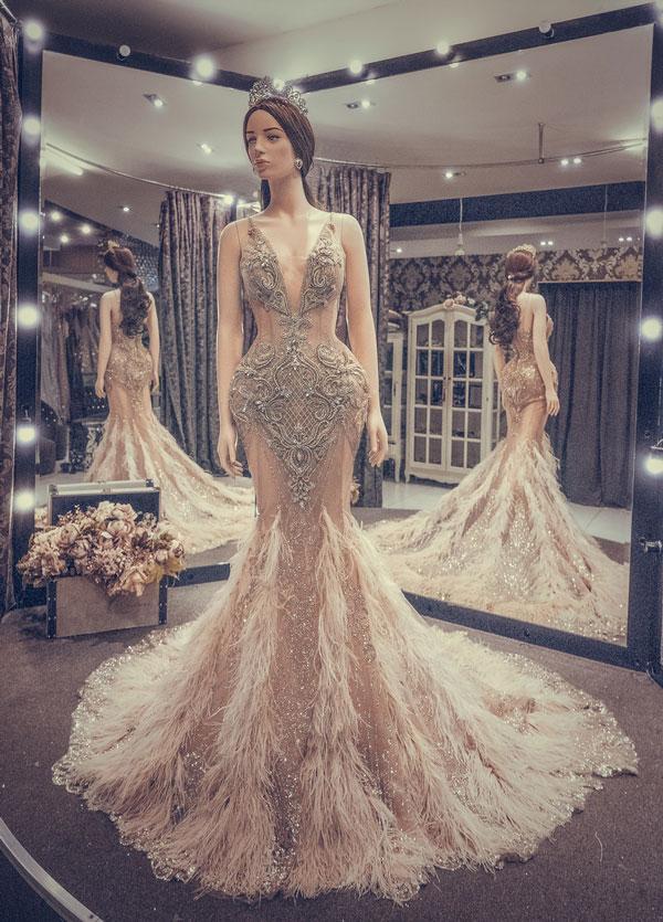Cận cảnh chiếc váy gắn hàng chục nghìn viên pha lê của Huyền My-1
