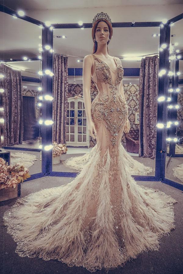 Cận cảnh chiếc váy gắn hàng chục nghìn viên pha lê của Huyền My-3