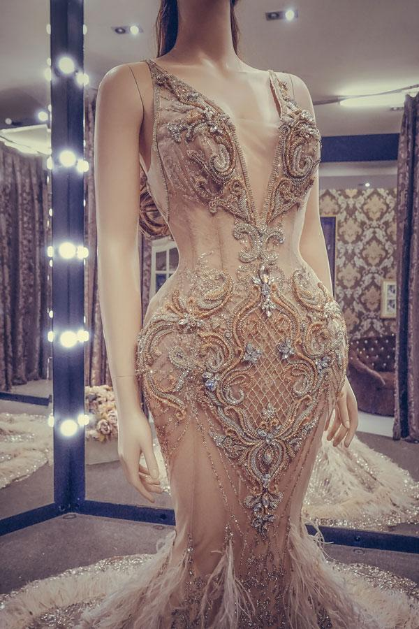 Cận cảnh chiếc váy gắn hàng chục nghìn viên pha lê của Huyền My-4