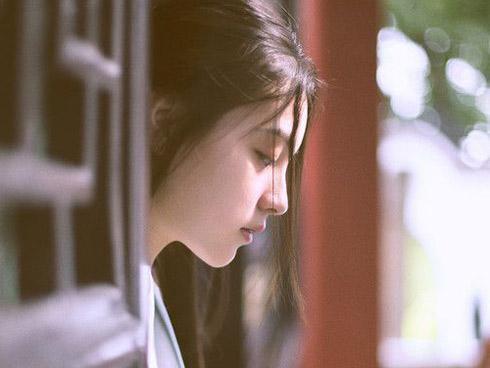 Bạn gái khóc ròng van xin: 'Em có bầu nhưng anh coi như không biết để em đi lấy chồng'