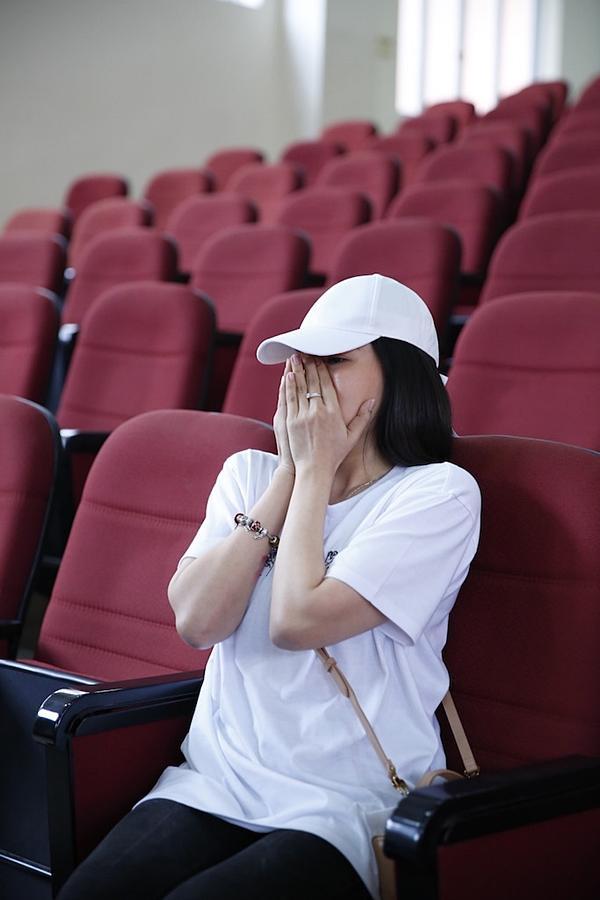 Clip hot: Hiền Sến tỏ tình lãng mạn với Lý Phương Châu giữa chốn đông người-9
