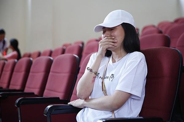 Clip hot: Hiền Sến tỏ tình lãng mạn với Lý Phương Châu giữa chốn đông người-10