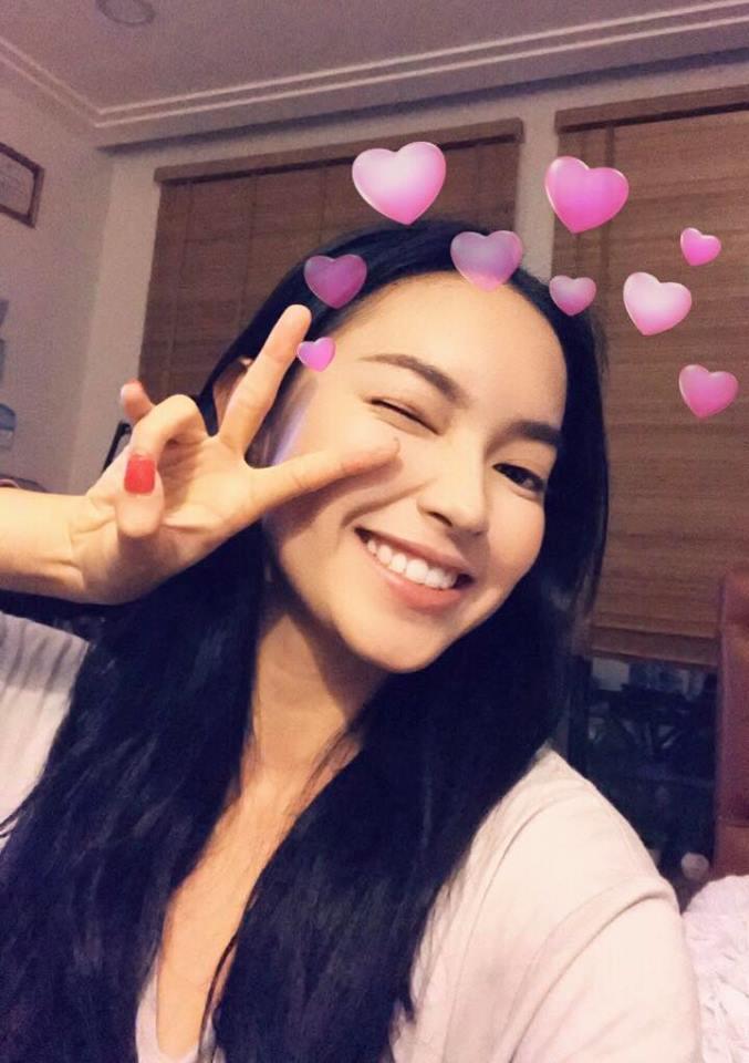 Hot girl - hot boy Việt 25/10: Yến Tatoo hờn dỗi cả thế giới vì cặp lông mày như bị khuyết-2