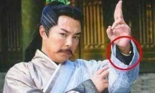 Cười ra nước mắt với những lỗi ngớ ngẩn trong phim Hoa ngữ-10
