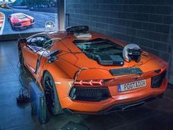 Độ siêu xe Lamborghini thành bộ điều khiển Xbox