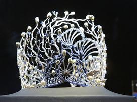Vương miện 3,2 tỷ vừa ra mắt của Hoa hậu Đại dương 2017 xác lập kỷ lục quốc gia