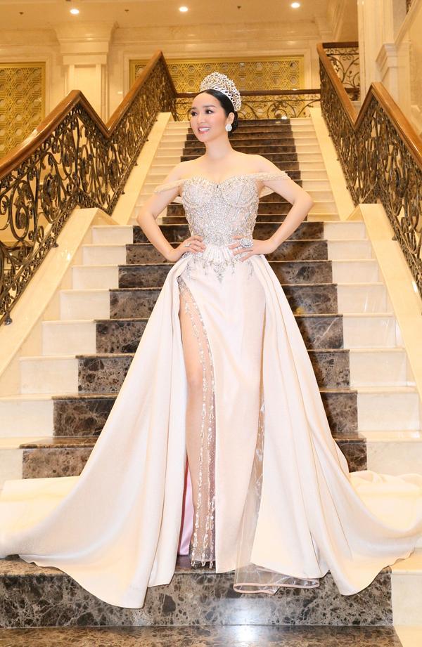 Làm giám khảo Miss Grand 2017, Lý Nhã Kỳ soán ngôi sao mặc đẹp trên thảm đỏ tuần này-1