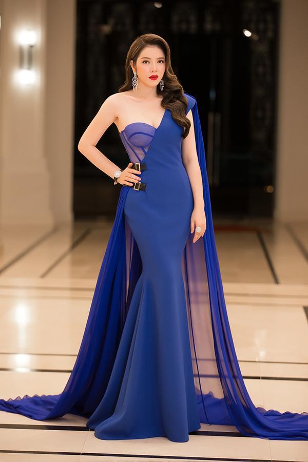 Làm giám khảo Miss Grand 2017, Lý Nhã Kỳ soán ngôi sao mặc đẹp trên thảm đỏ tuần này-4