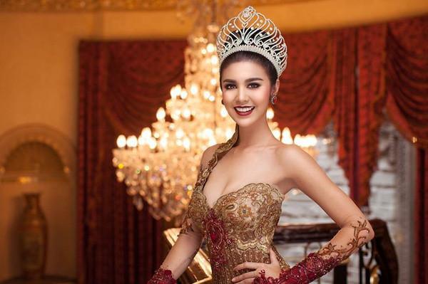 Nhìn lại khoảnh khắc đáng nhớ nhất đêm chung kết Miss Grand International 2017-10