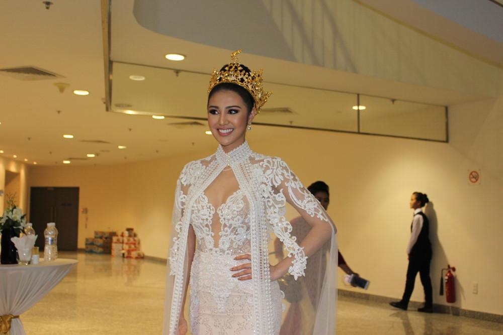 Nhìn lại khoảnh khắc đáng nhớ nhất đêm chung kết Miss Grand International 2017-8