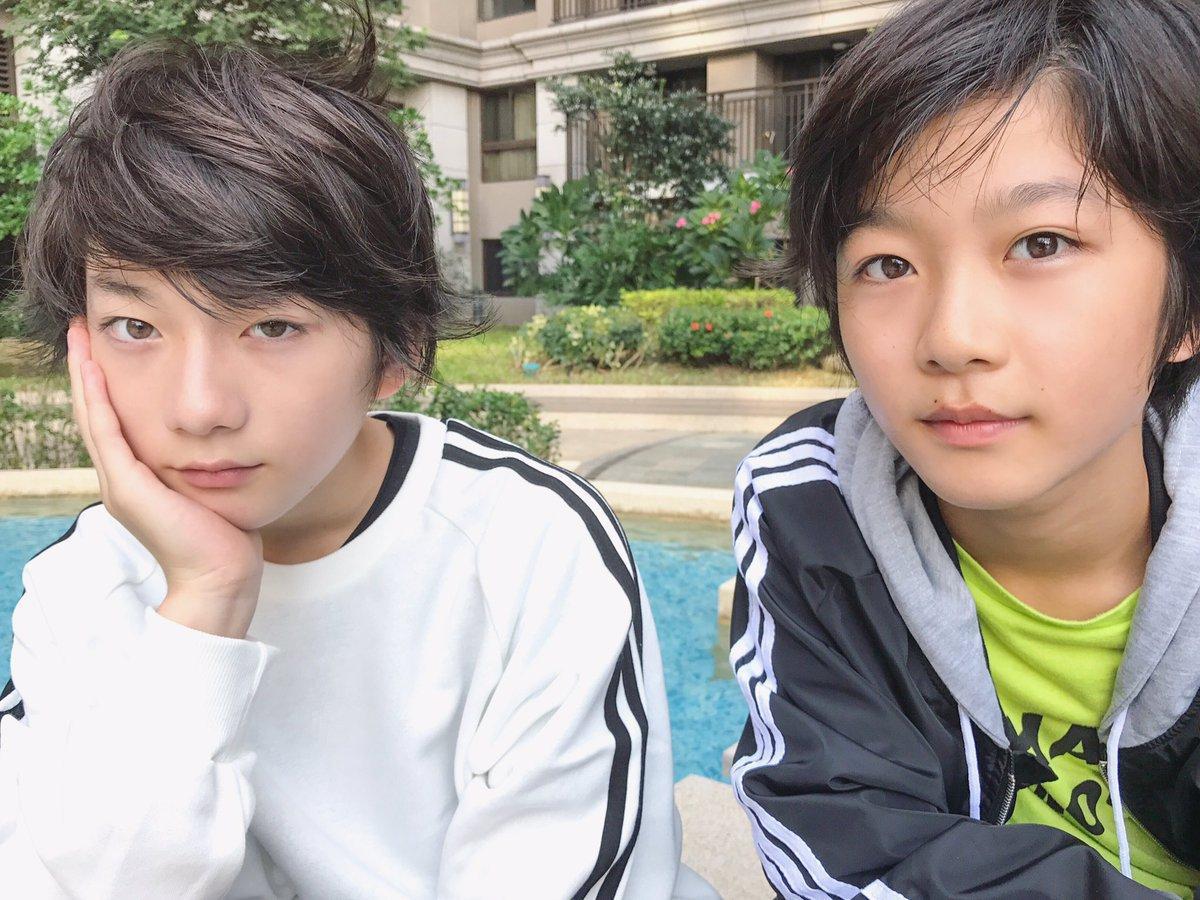 Cặp con lai người Nhật mới ít tuổi đã đẹp từ anh đến em, muốn không hot cũng khó-6