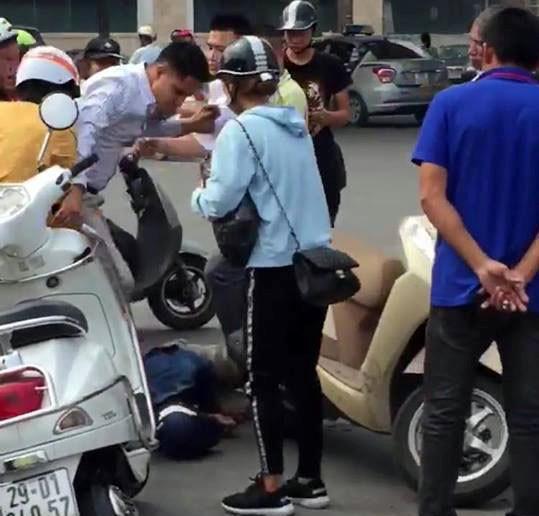 Nghi dàn cảnh cướp tài sản, người đàn ông bị đánh gục giữa phố-1