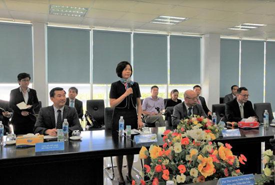 Phó Thủ tướng Lào thăm và làm việc với Vinamilk-2