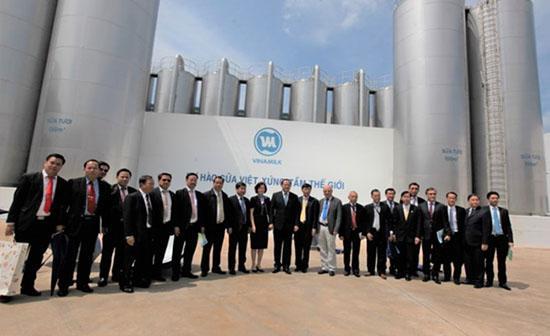 Phó Thủ tướng Lào thăm và làm việc với Vinamilk-5