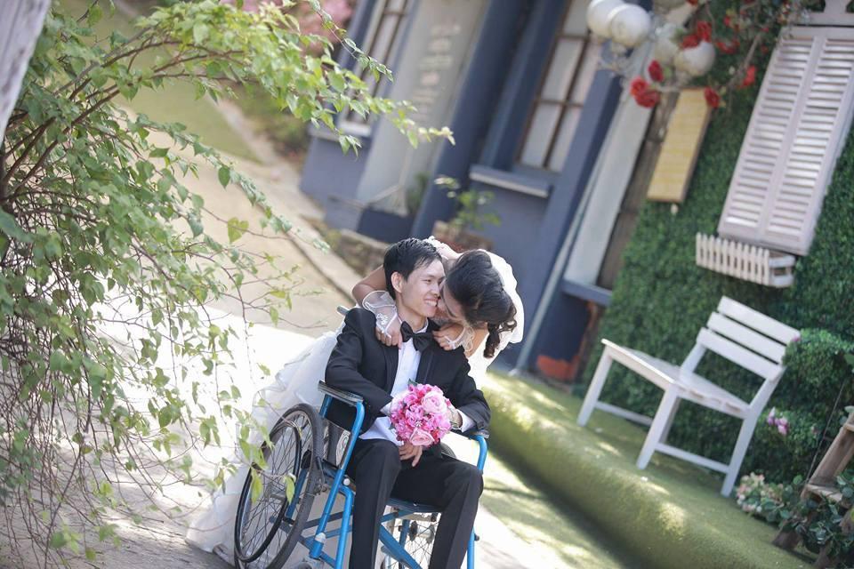 Quyết lấy chàng trai ngồi xe lăn, cô gái Lạng Sơn liên tục bị xui bỏ trốn trong ngày cưới-4