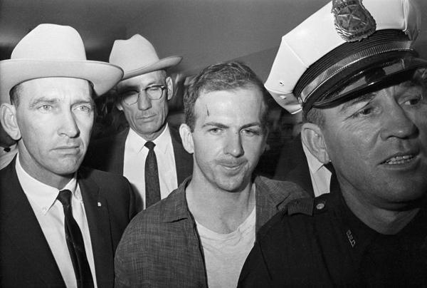 Hé lộ những tình tiết gây shock trong vụ ám sát Tổng thống Mỹ Kennedy-3